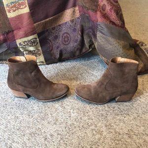 Kork ease Carmel suede bootie wedge heel boots 7